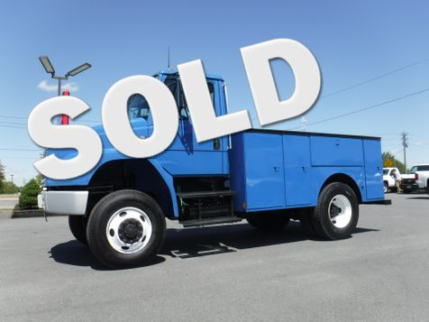 2004 Freightliner FL70 11' Utility 4x4 CAT Diesel Non CDL in Ephrata, PA