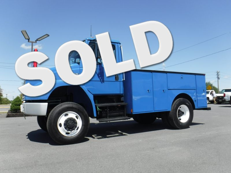 2004 Freightliner FL70 11' Utility 4x4 CAT Diesel Non CDL in Ephrata PA