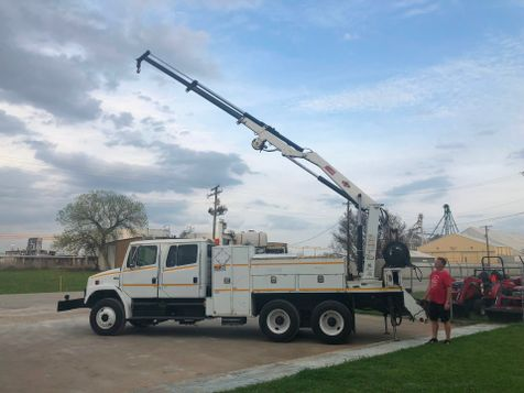2004 Freightliner FL80 CREW CAB CRANE TRUCK  in Fort Worth, TX