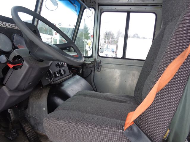 2004 Freightliner STEP Hoosick Falls, New York 4