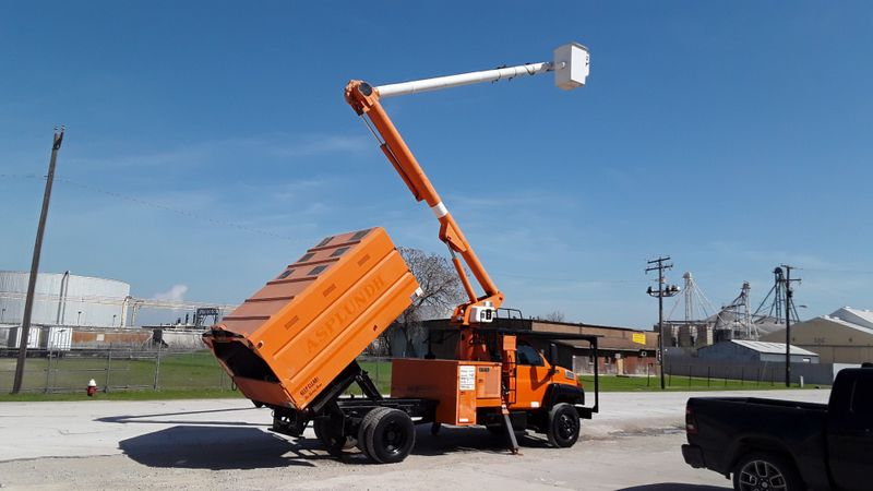 2004 Gmc C7500 ALTEC 60FT BUCKET FORESTRY TRUCK PONY MOTOR  LOW MILEAGE  city TX  North Texas Equipment  in Fort Worth, TX
