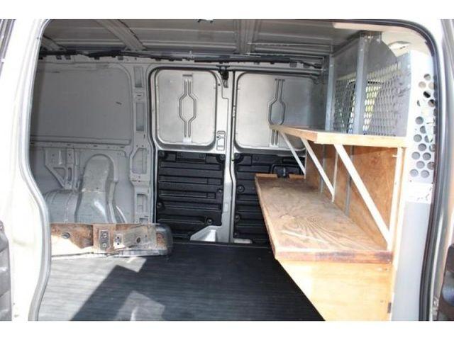 2004 GMC Savana Cargo Van Base in St. Louis, MO 63043