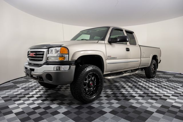 2004 GMC Sierra 2500HD Ext. Cab Long Bed 4WD