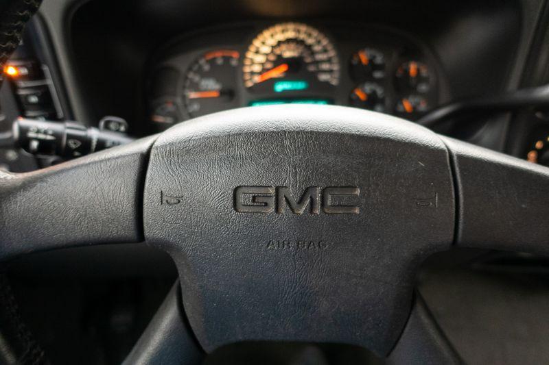 2004 GMC Sierra 2500HD SLE   Texas  EURO 2 MOTORS  in , Texas