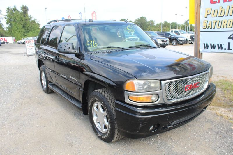 2004 GMC Yukon Denali DENALI  city MD  South County Public Auto Auction  in Harwood, MD