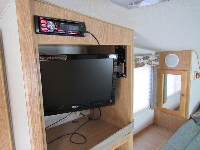 2004 Host Raineer 950 DS Camper 2 Slides Bend, Oregon 8