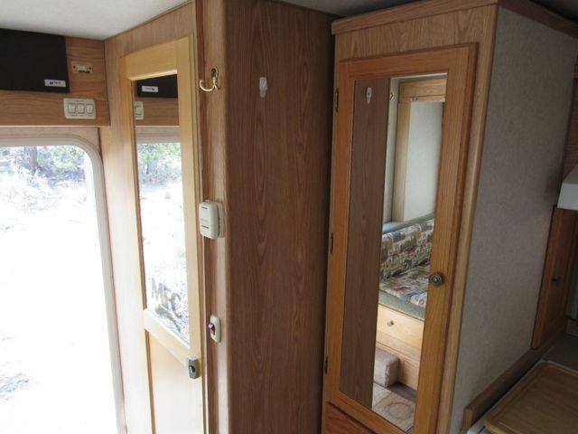 2004 Host Raineer 950 DS Camper 2 Slides Bend, Oregon 13