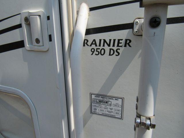 2004 Host Raineer 950 DS Camper 2 Slides Bend, Oregon 4