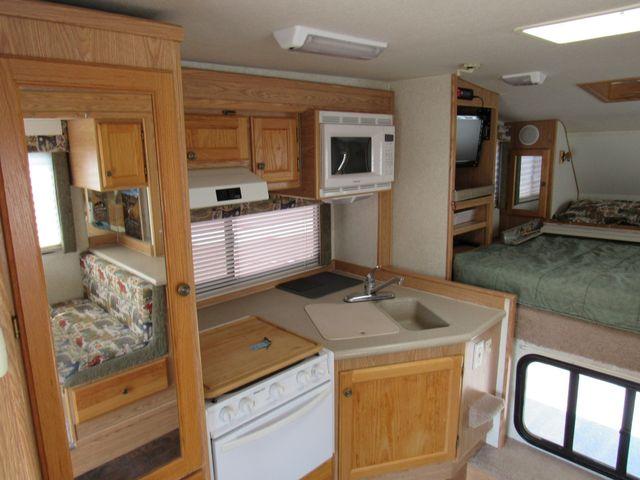 2004 Host Raineer 950 DS Camper 2 Slides Bend, Oregon 6