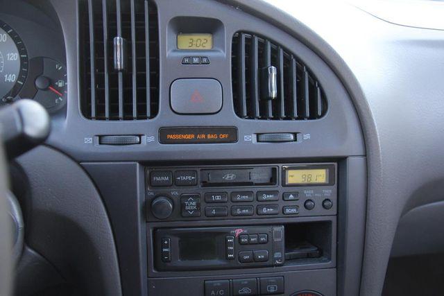 2004 Hyundai Elantra GLS Santa Clarita, CA 19