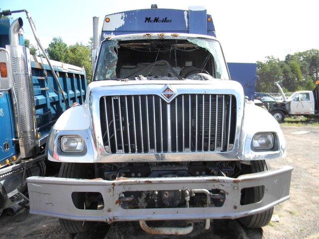 2004 International 7400 in Ravenna, MI 49451