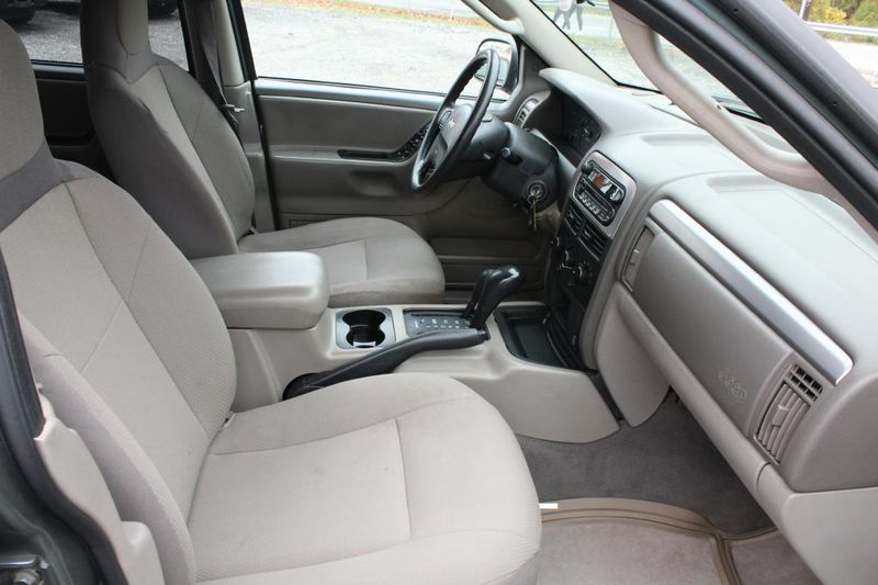 2004 Jeep Grand Cherokee Laredo  city MD  South County Public Auto Auction  in Harwood, MD