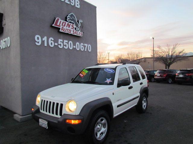 2004 Jeep Liberty Sport 4 x 4 sharp in Sacramento, CA 95825