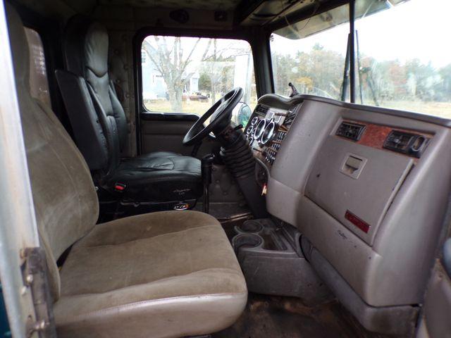 2004 Kenworth T800H Ravenna, MI 21