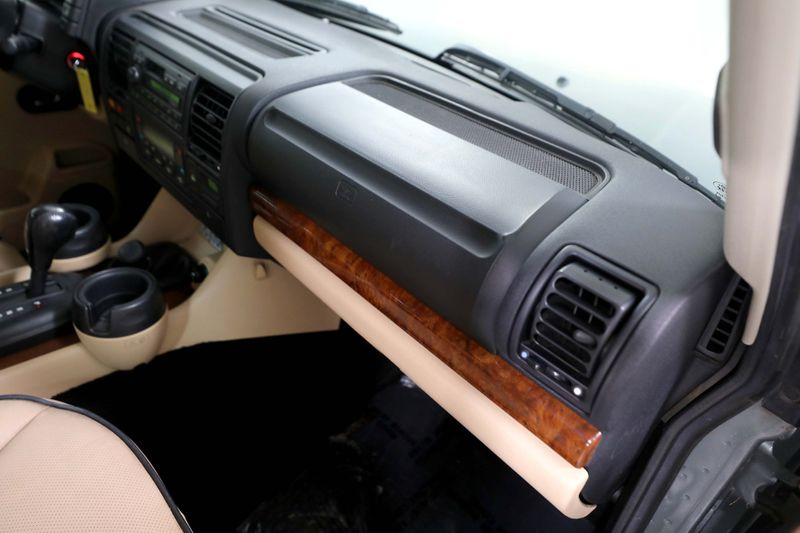 2004 Land Rover Discovery SE7 - 3rd row - Rear climate - Dual Sunroof  city California  MDK International  in Los Angeles, California