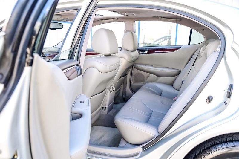 2004 Lexus ES 330 3.3L V6 LEATHER PREMIUM PKG WOOD INTERIOR. in Rowlett, Texas