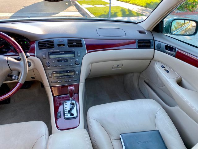 2004 Lexus ES 330 SEDAN AUTOMATIC LEATHER XENON NEW TIRES SERVICE RECORDS in Van Nuys, CA 91406