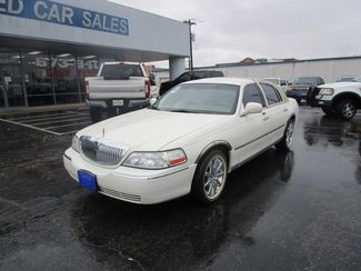 2004 Lincoln Town Car Ultimate  Abilene TX  Abilene Used Car Sales  in Abilene, TX