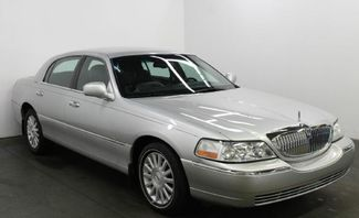 2004 Lincoln Town Car Signature in Cincinnati, OH 45240