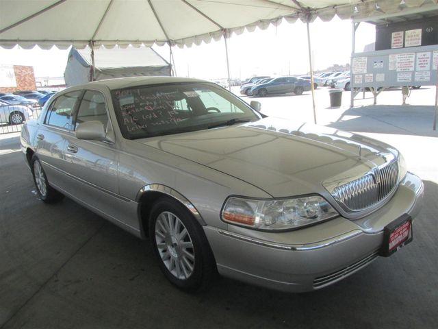 2004 Lincoln Town Car Signature Gardena, California 3
