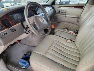 2004 Lincoln Town Car Signature Gardena, California 4