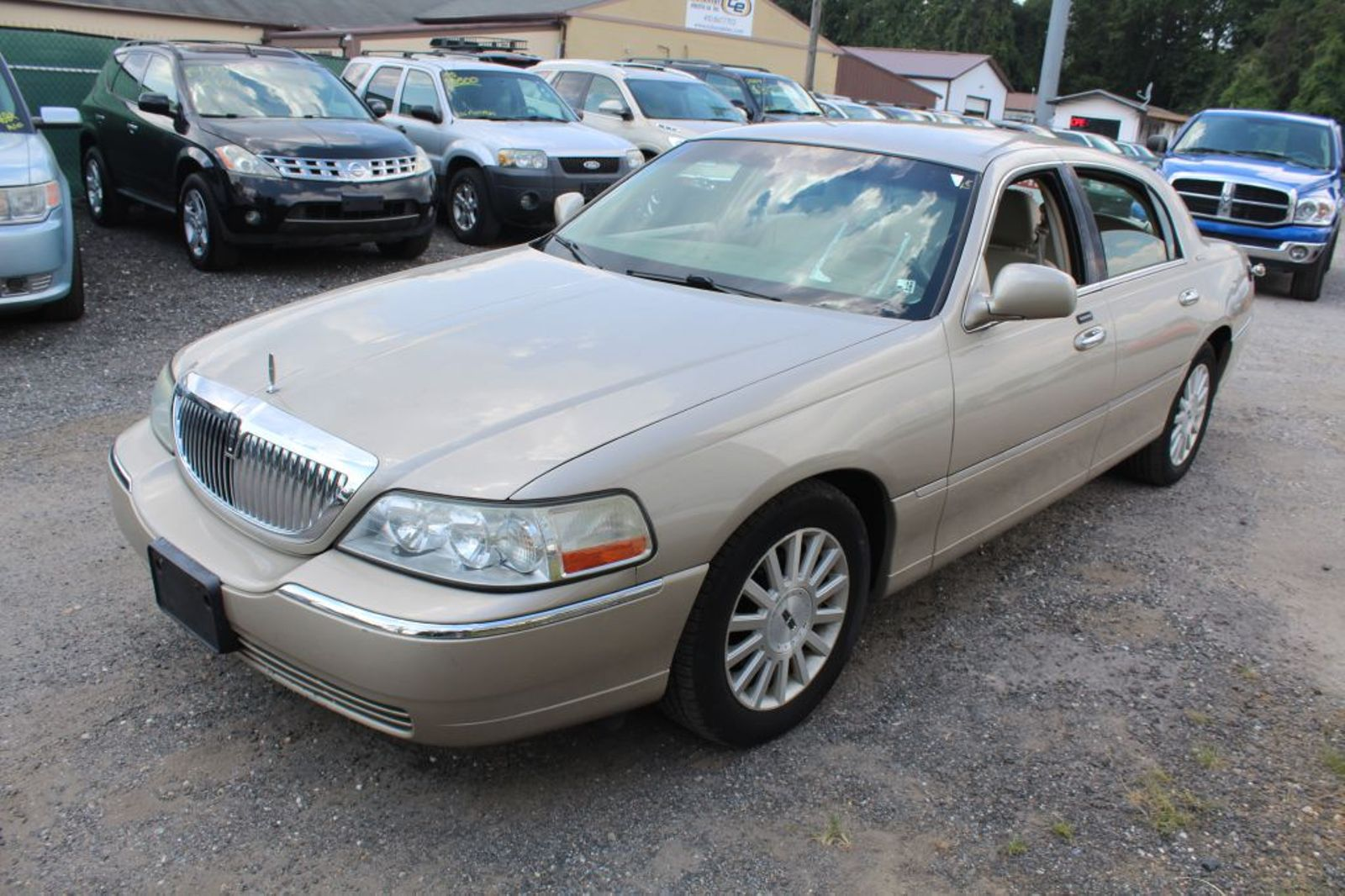 2004 Lincoln Town Car Signature City Md South County Public Auto Auction In Harwood