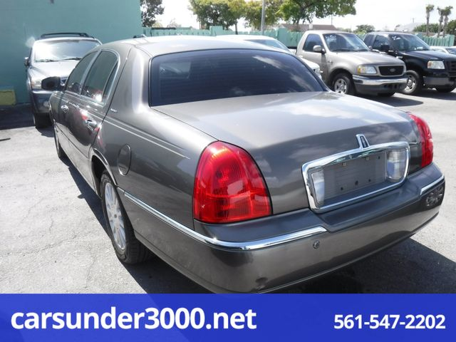 2004 Lincoln Town Car Signature Lake Worth , Florida