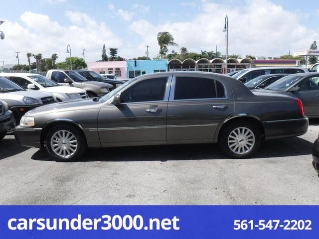 2004 Lincoln Town Car Signature Lake Worth , Florida 2