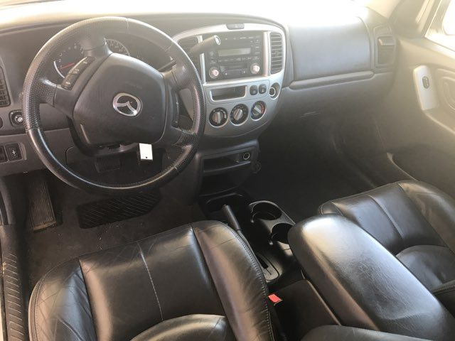 2004 Mazda Tribute ES Knoxville, Tennessee 9