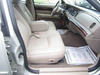 2004 Mercury Grand Marquis LS Premium Batesville, Mississippi 32
