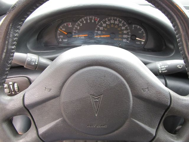 2004 Pontiac Sunfire in Medina, OHIO 44256