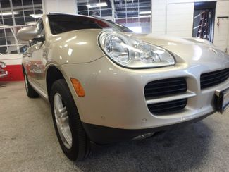 2004 Porsche Cayenne S AWD, LOADED AND  VERY LOW MILES. Saint Louis Park, MN 18