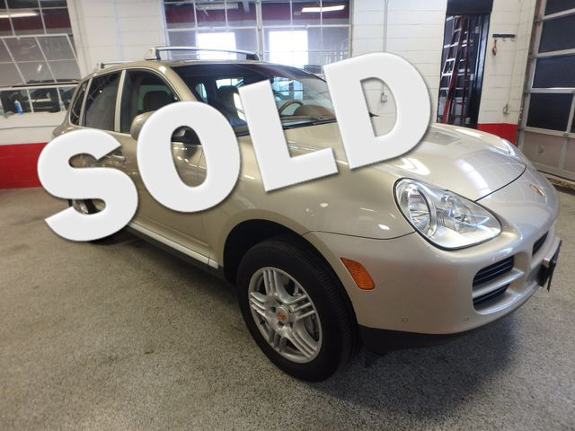 2004 Porsche Cayenne S AWD, LOADED AND  VERY LOW MILES. Saint Louis Park, MN