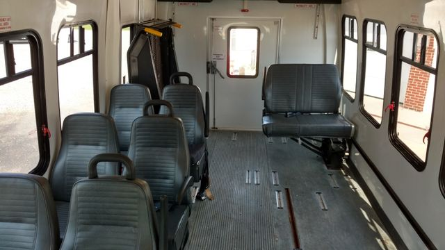 2004 Supreme Startrans 12 Passenger Bus Wheelchair Accessible Alliance, Ohio 4