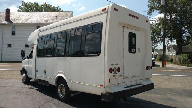 2004 Supreme Startrans 12 Passenger Bus Wheelchair Accessible Alliance, Ohio 7