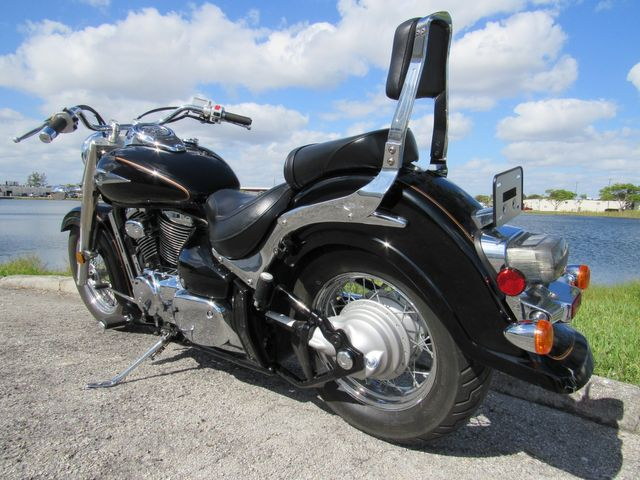 2004 Suzuki Intruder® Volusia™ in Dania Beach , Florida 33004