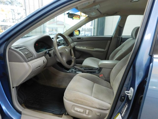2004 Toyota Camry LE in Airport Motor Mile ( Metro Knoxville ), TN 37777
