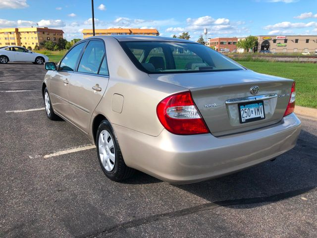 2004 Toyota Camry LE Maple Grove, Minnesota 2