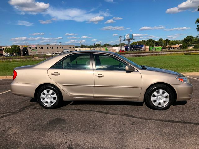 2004 Toyota Camry LE Maple Grove, Minnesota 7