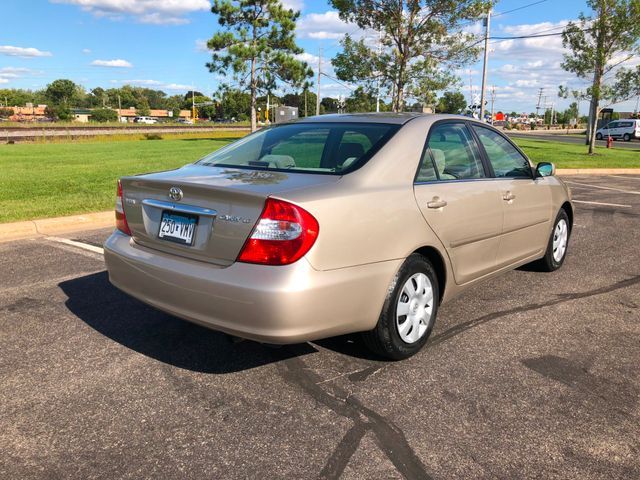 2004 Toyota Camry LE Maple Grove, Minnesota 3