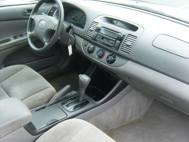 2004 Toyota Camry LE West Chester, PA 6