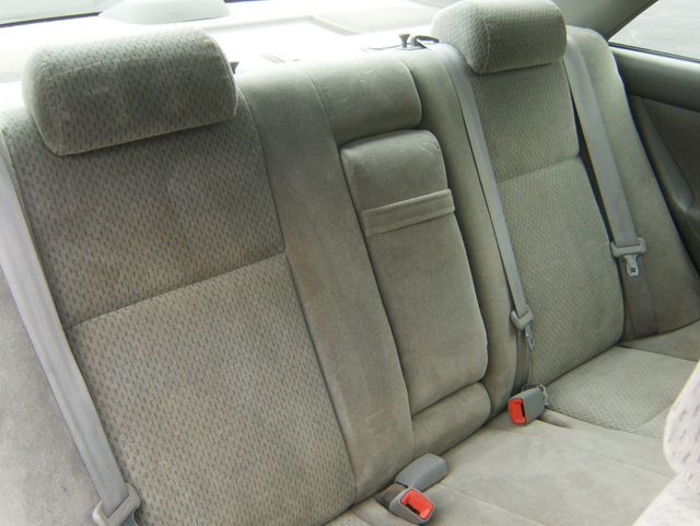 2004 Toyota Camry LE West Chester, PA 10