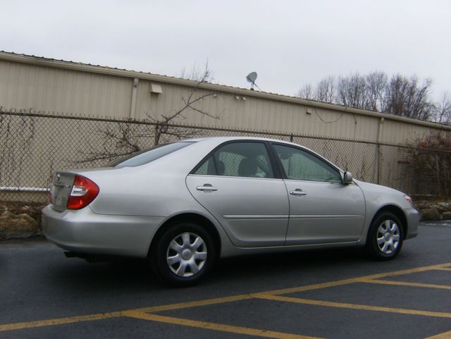 2004 Toyota Camry LE West Chester, PA 2