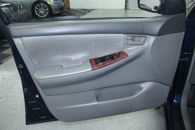2004 Toyota Corolla LE Kensington, Maryland 14