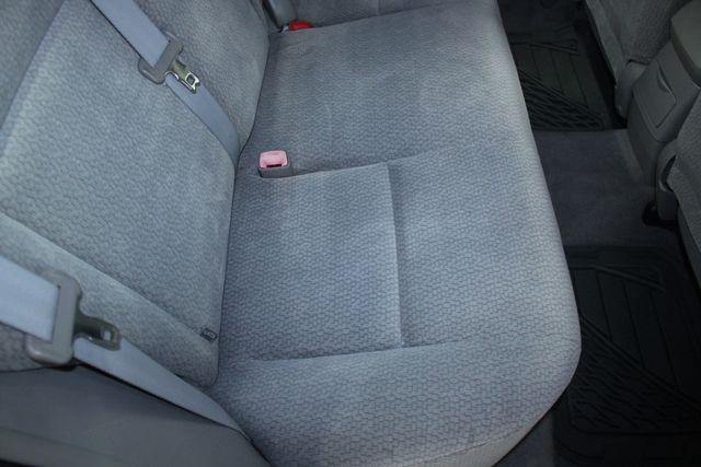 2004 Toyota Corolla LE Kensington, Maryland 38