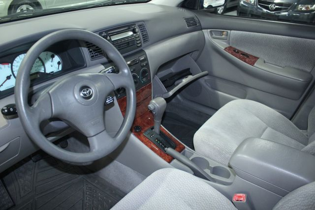 2004 Toyota Corolla LE Kensington, Maryland 79