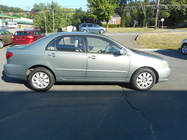 2004 Toyota Corolla LE New Windsor, New York 7