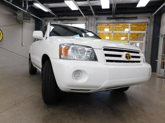 2004 Toyota Highlander in Airport Motor Mile ( Metro Knoxville ), TN 37777