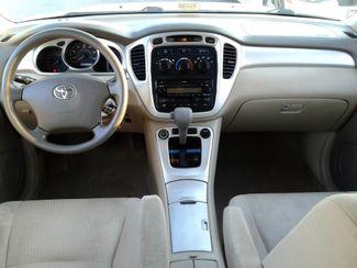 2004 Toyota Highlander   city Virginia  Select Automotive (VA)  in Virginia Beach, Virginia