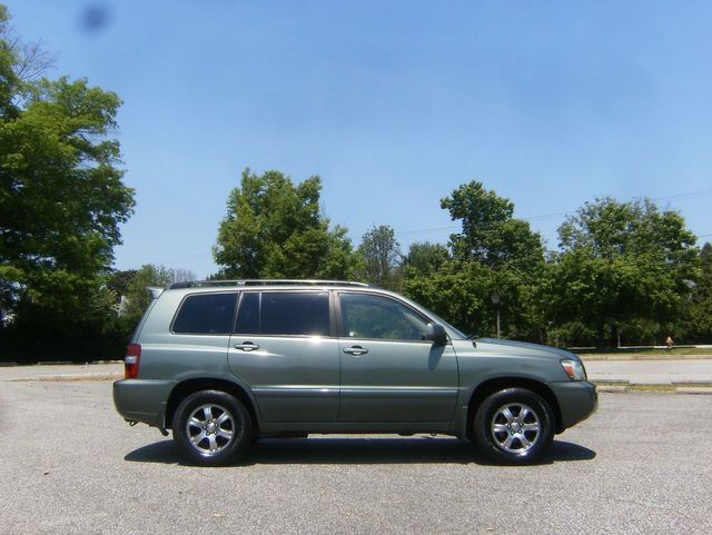 2004 Toyota Highlander in West Chester, PA 19382